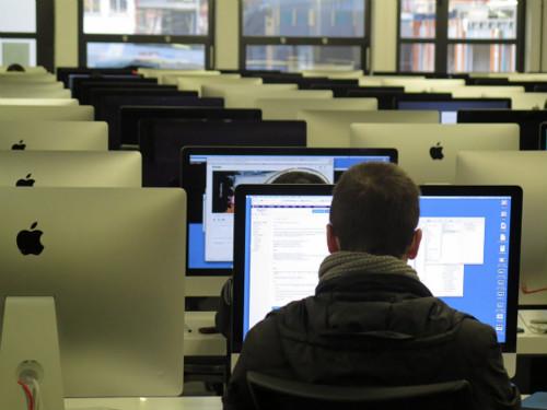 英国女王大学最新研究显示:每年约7万人死于久坐生活方式